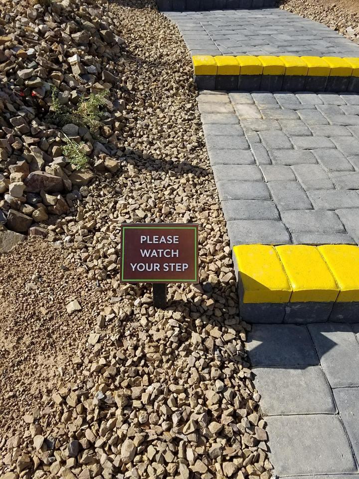 475 - Caution Sign