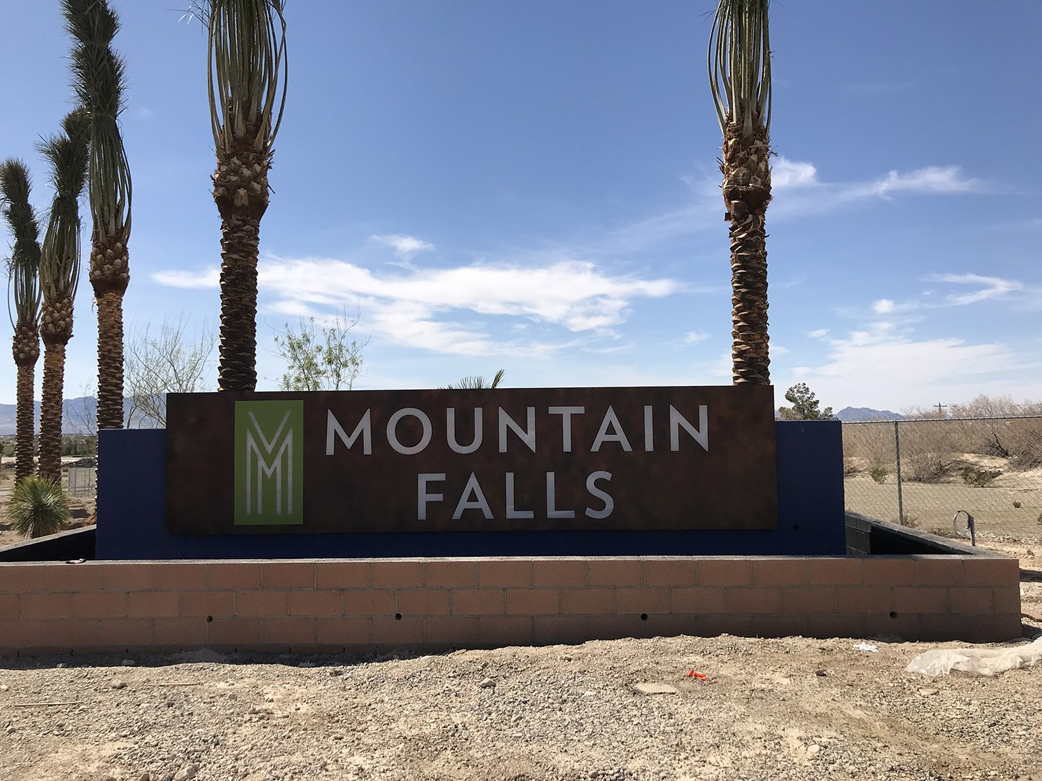475---Mountain-Falls---Monument-Sign-2