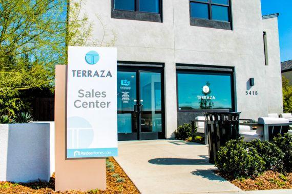 300-terraza-salescenter2