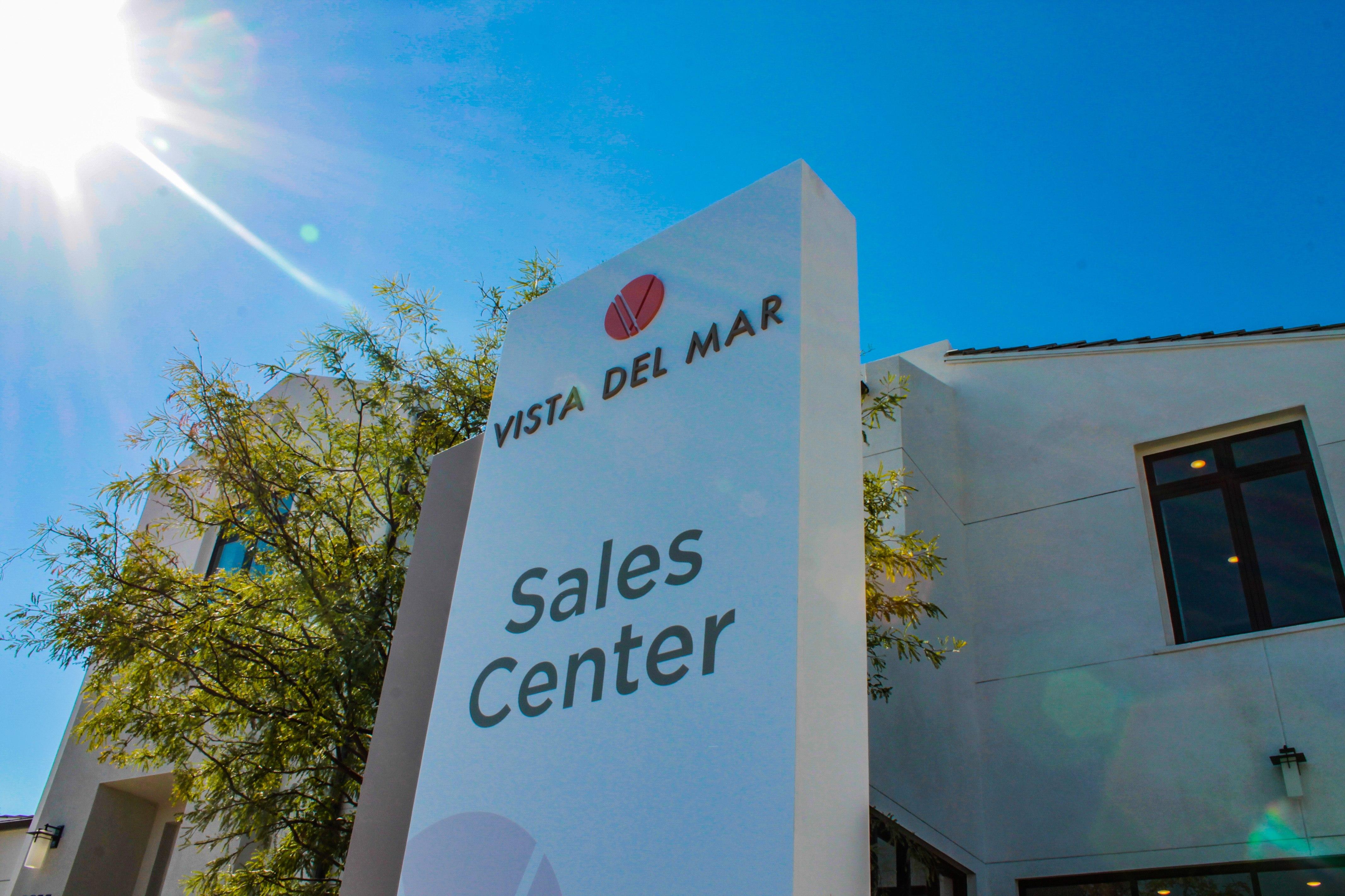 300-vistadelmar-salescentersign2